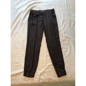 Aritizia taupe pants